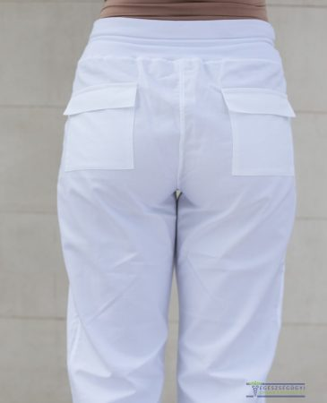 Pants with back pocket
